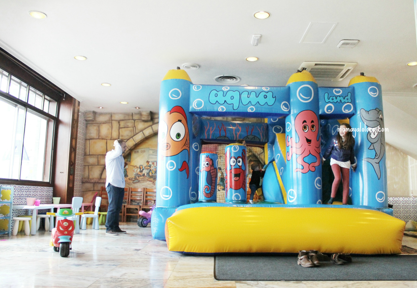 hinchable-hotel-bahía-vigo-comedor-kidsfriendly.jpg